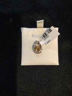 10K  Gold  CTW .05 CTW Diamond Pendant