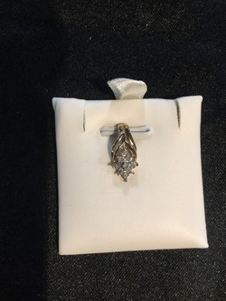 10KT Gold 0.09 CTW Diamond  Pendant